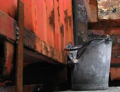 Bucket (Tina Jarnling) Tags: abstract texture bucket rust rost hink rd otw abstakt