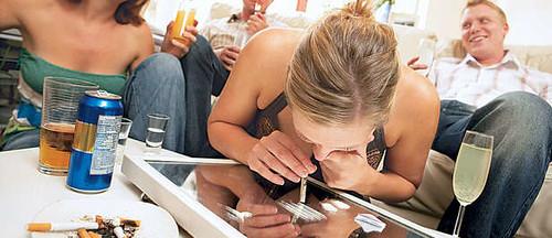 nunca mezcles el alcohol con drogas