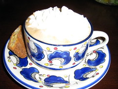 Mocha Latte & Biscotti