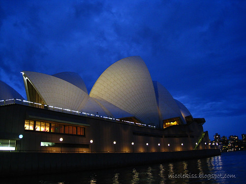 sydney opera house early evening wallpaper