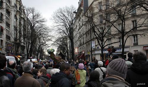 Les rues parisiennes, ici l'avenue Gambetta, étaient noires de monde