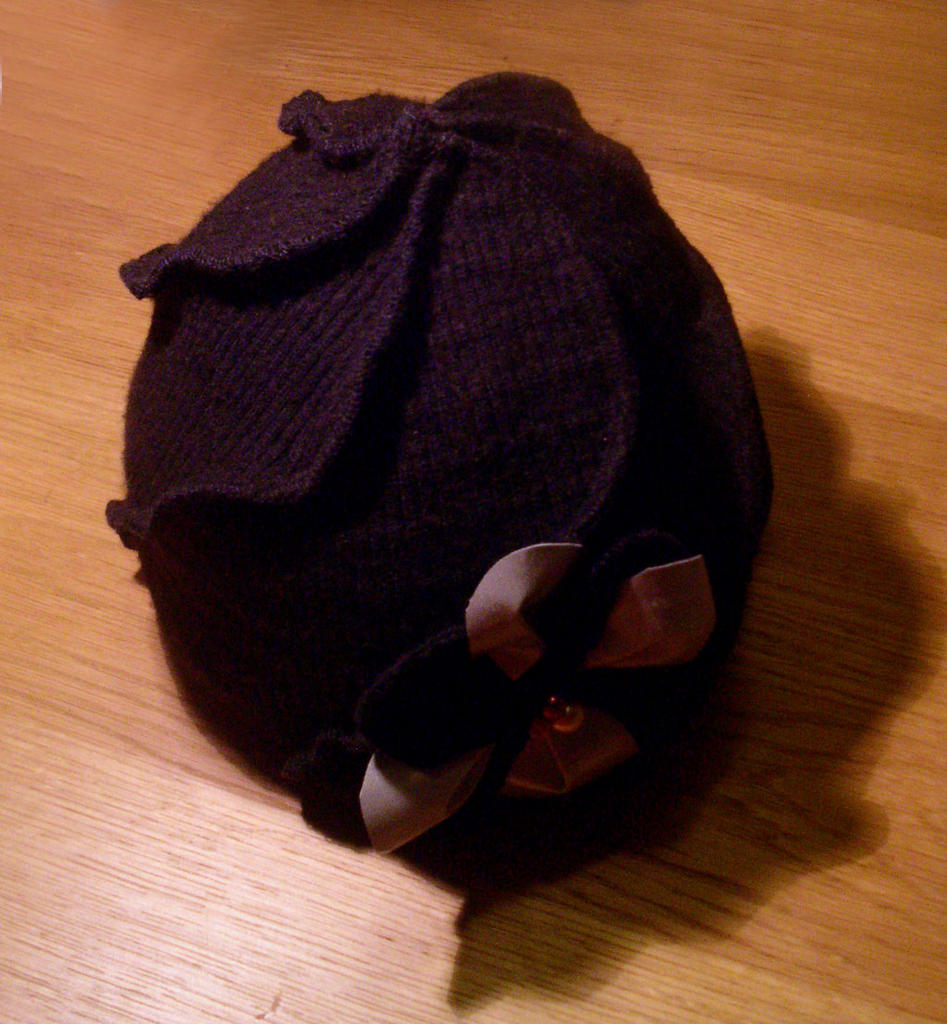 Whirling hat from a old washed wool sweater (with pattern) - CLOTHING