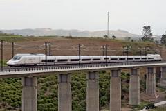 102 en Cártama (José Francisco_(Fuen446)) Tags: train tren trenes trains ave pato 102 málaga railroads renfe altavelocidad highspeedtrains s102 cártama 10millionphotos