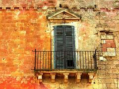 (_Blaster_) Tags: italy building muro window wall architecture rural italia fuji stones decay edificio finestra f30 pietre finepix mirante salento puglia blaster balcone masseria rurale tufi maruggio fujif30 masseriamirante
