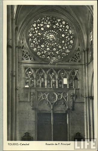 Interior de la Catedral (Toledo) a principios del siglo XX. Archivo de la Revista Life