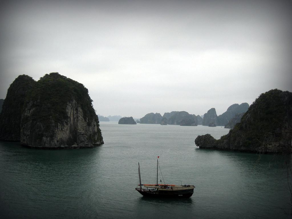 Joncque dans la baie d'Halong