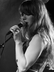 jenny lewis @ the glasshouse, pomona. (ameliorations) Tags: blackandwhite digital pomona glasshouse jennylewis 41309 acidtongue