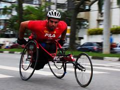 Mensagem Motivacional (EyeWarp) Tags: run santos corrida pedestrianismo motivao cadeirante