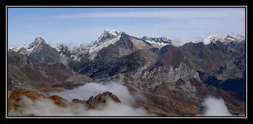 Arriel, Palas, Balaitus, Frondellas, Gabizo, Pico de Cambales y Gran Facha desde la cima de la Pala de Ip (2778 m.)