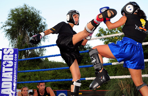 donne kick boxing