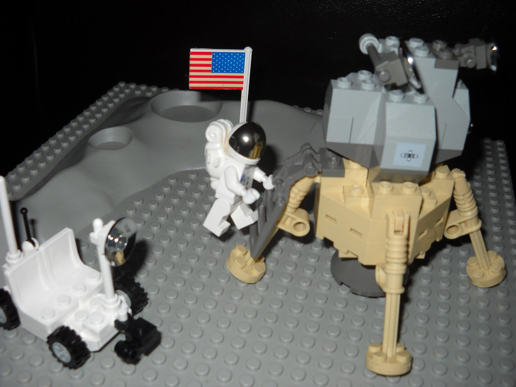 The Worlds Best Photos Of Lego And Neilarmstrong Flickr Hive Mind