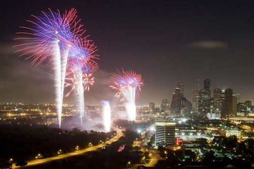 Fireworks Houston skyline 2009 2.jpg