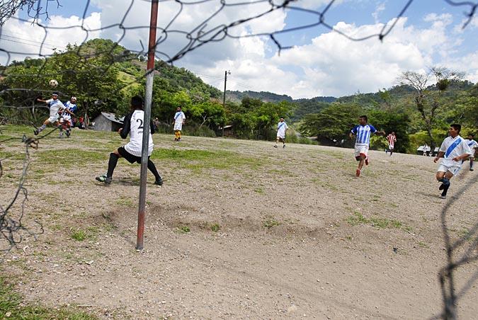 soccerBarrio_010