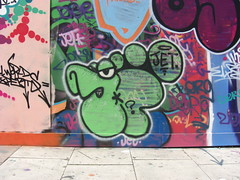 10 FOOT (JOHN19701970) Tags: street uk england urban streetart colour green london art up wall foot graffiti artwork paint artist 10 name graf jet style august spray shoreditch ten spraypaint aerosol e1 2009 throw eastend sclaterstreet 10ft 10foot