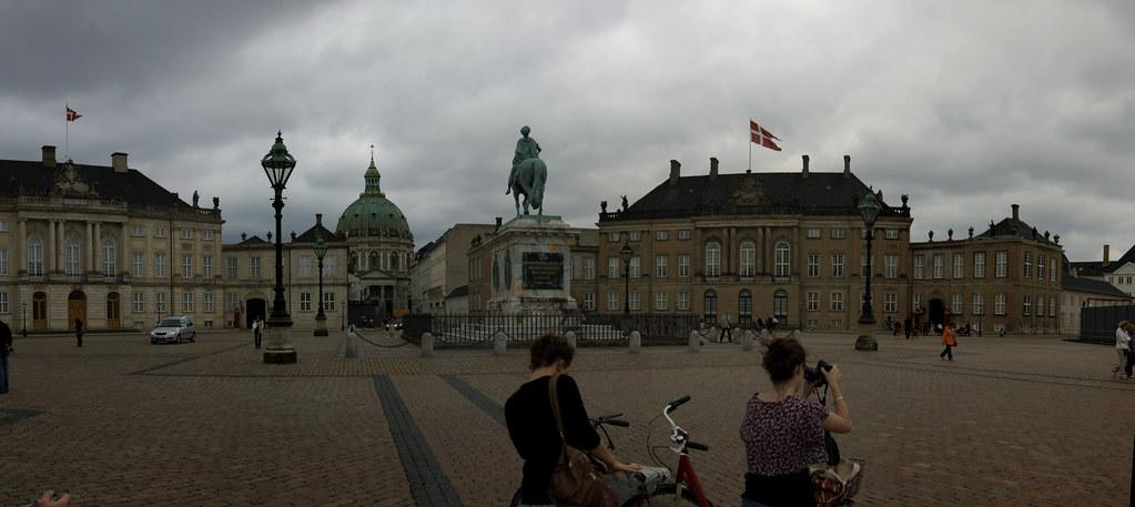 Copenhagen: Amalienborg Palace