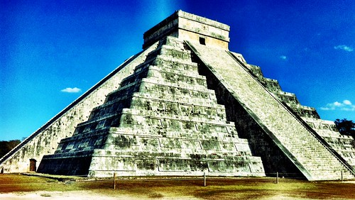 Chichen Itza by zmx80's electric life