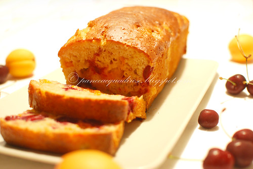 plumcake alle albicocche e ciliegie