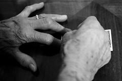 un peu de chance (RedArt photographer) Tags: bw roma hands 123bw redartphoto grattaevinci
