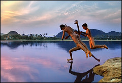 We walk, we swim, we fly..we future (P.C.P) Tags: sky india water swim fly jump walk finepix future fujifilm f11 tamilnadu pcpsk59 thirukalukunram