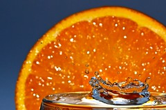 H2O + Orange (hiskinho) Tags: orange macro water agua wasser drop h2o gota naranja