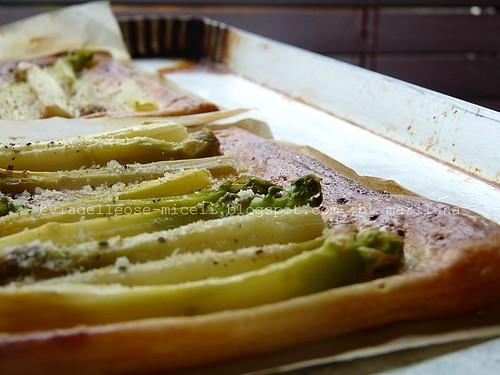 Asparagi al parmigiano su sfoglia croccante