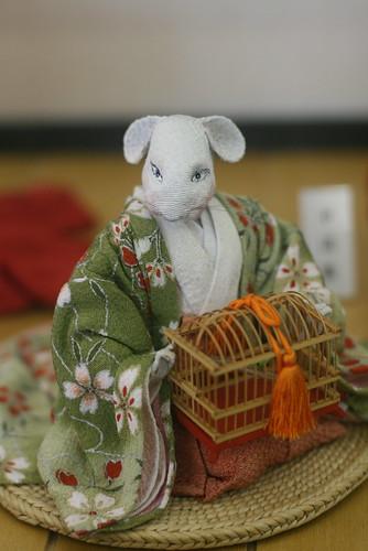 Bonecos na estacao de hiroshima