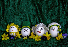 Mr & Mrs Egg taking their kids for a walk (ToveM) Tags: white green hat yellow canon easter egg memories hats daffodil eggs childhoodmemories thefunhouse tovem