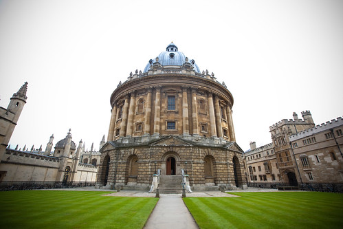 Radcliffe Camera @ Oxford, UK - 6 April, <b>Temovate ebay</b>, 2009 (by 'ju:femaiz)