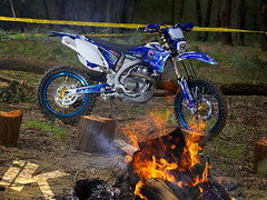 Smoking hot WR450 (iKapture®) Tags: blue green grass canon fire eos bush offroad country campfire yamaha dirtbike magazines 580ex enduro trailriding 1dsmarkii wr450f offcamera ikapture adbmagazine acebis