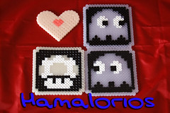 "Regalitos hechos con Hama Midi ""Glow in the dark"" (Hamalorios) Tags: mushroom dark glow heart ghost glowinthedark pacman midi seta fantasma corazon hama oscuridad brilla hamabeads"