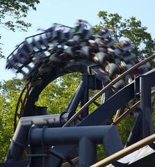 inverter (flee the cities) Tags: georgia bm batman amusementpark rollercoaster sixflags inverted themepark bolligermabillard austell thrillride cobbcounty sixflagsovergeorgia batmantheride sfog