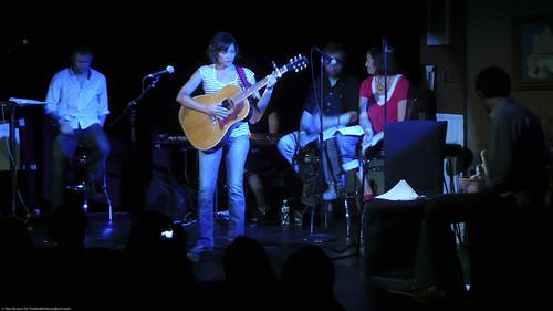 06.13.09a Norah Jones, Radio Happy Hour @ Poisson Rouge (1)