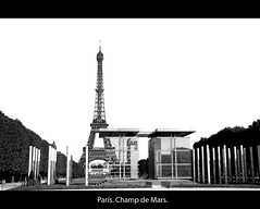Burned Paris (hoskitar) Tags: bw paris france blancoynegro torre wb eiffel nb bn torreeiffel champdemars francia pars eliseos elseos camposdemarte blackwhitephotos