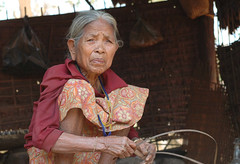 Old (unknown) posing Cambodian woman (JKL Fotografie) Tags: portrait woman cambodia portret cambodja banlung verweerd oudevrouw getekend rodekhmer