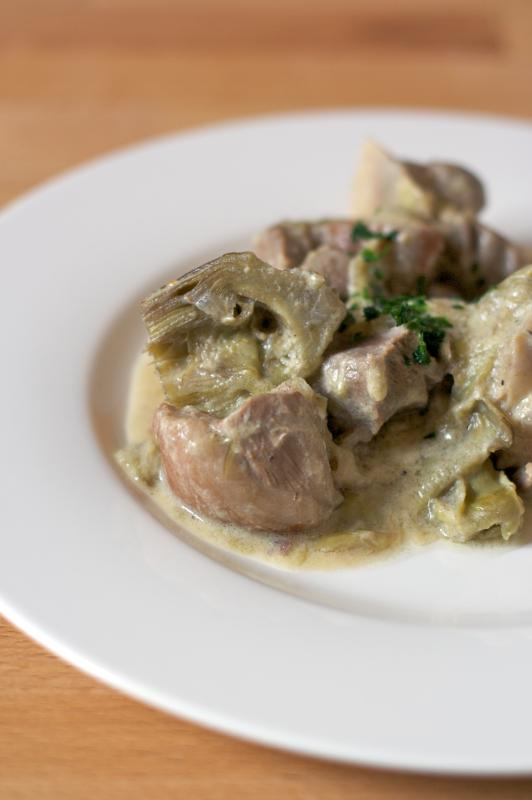 Lamb and artichokes fricassea
