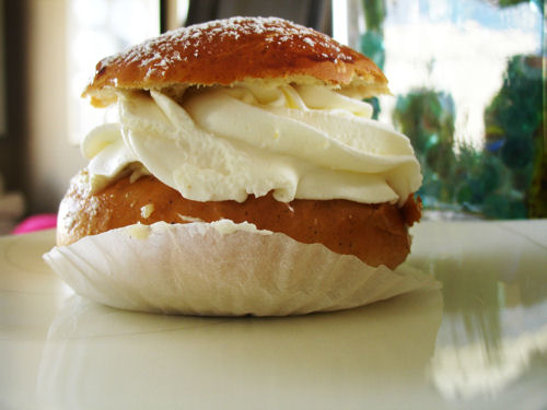 semla, we finally found a bakery who makes them!