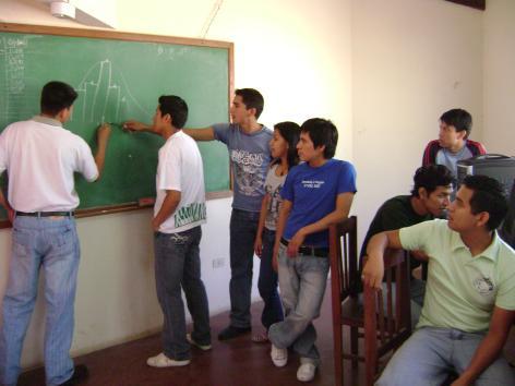 Estudiantes de la UAGRM