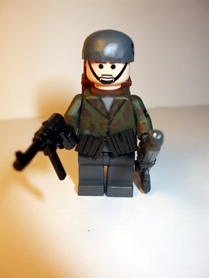 WWII Fallschirmjager german para trooper custom minifig