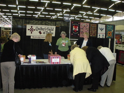 Dallas Quilt Guild Booth