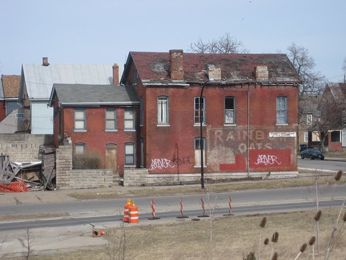 Off Niagara Street