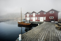 April Snapshot 2 (u n c o m m o n) Tags: mist night hdr lysekil uncommon photomatix tonemapped april09 marcusclaesson