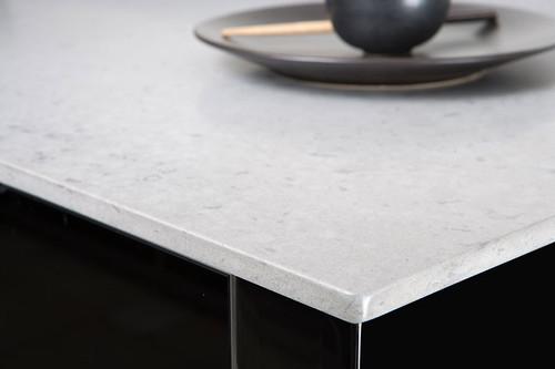 Quartz Countertop in Pebble by CaesarStone