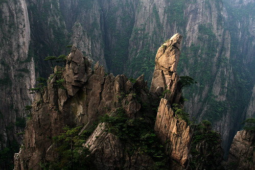 Huangshan Western Canyon (by niklausberger)
