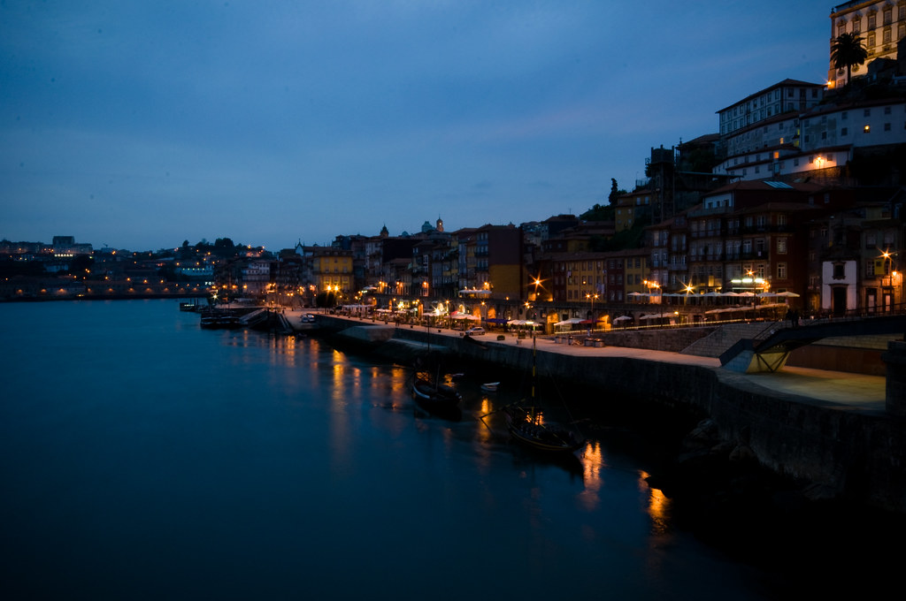 porto by night.