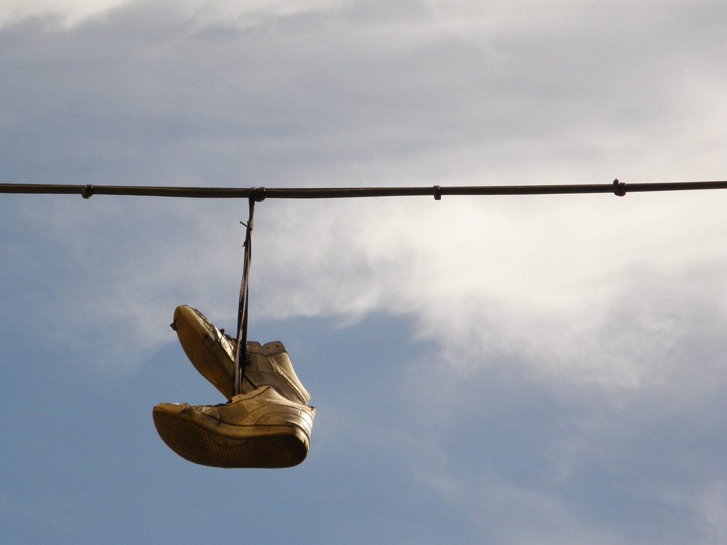 The World\'s Best Photos of shoetossing and wire - Flickr Hive Mind