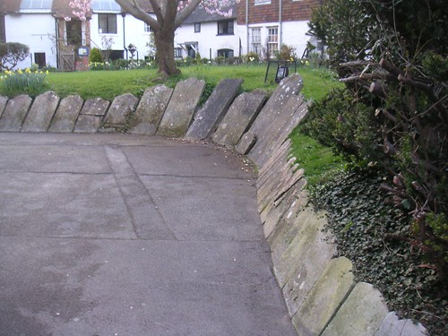 small-petersfield-grave-wave