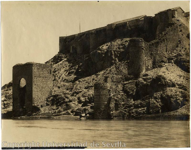 Baño de la Cava a principios del siglo XX. Fototeca de la Universidad de Sevilla. Foto M. Moreno