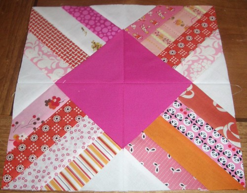 Solidia's Sew Kid at Heart Bee Block August