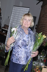 Kathryn Joosten can't get enough of the Passion Growers flowers!