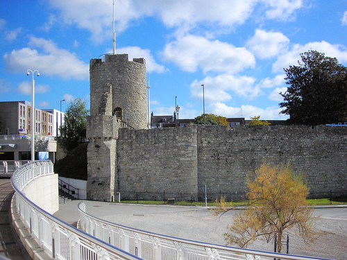The_Arundel_Tower_-_Southampton[1]